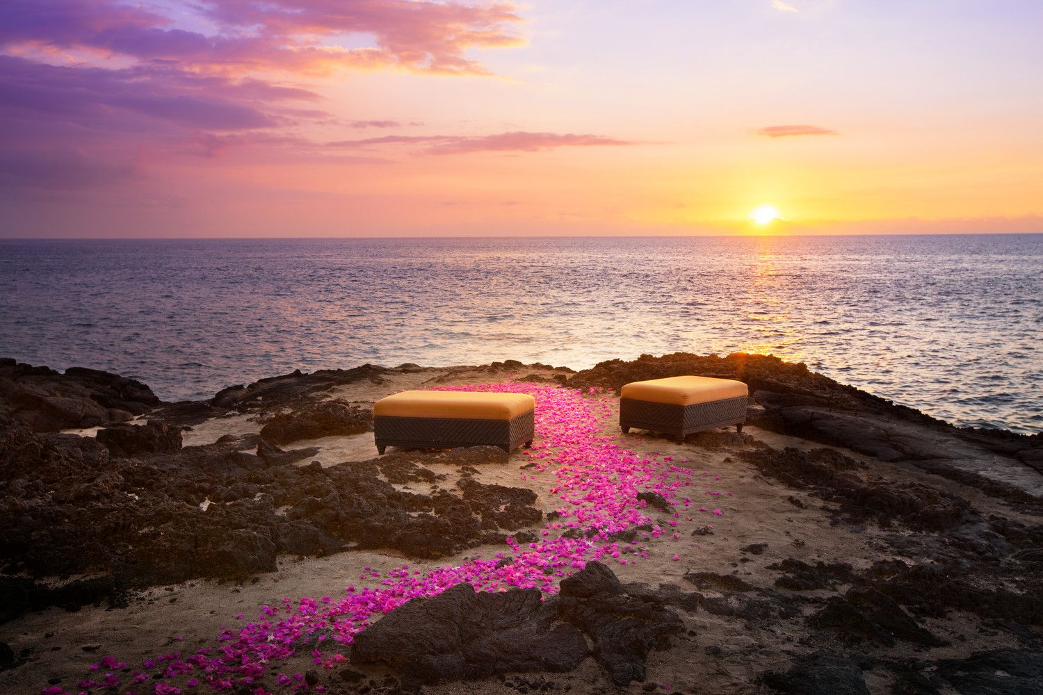 Kona Oceanfront Wedding Resorts - Sunset Cliff