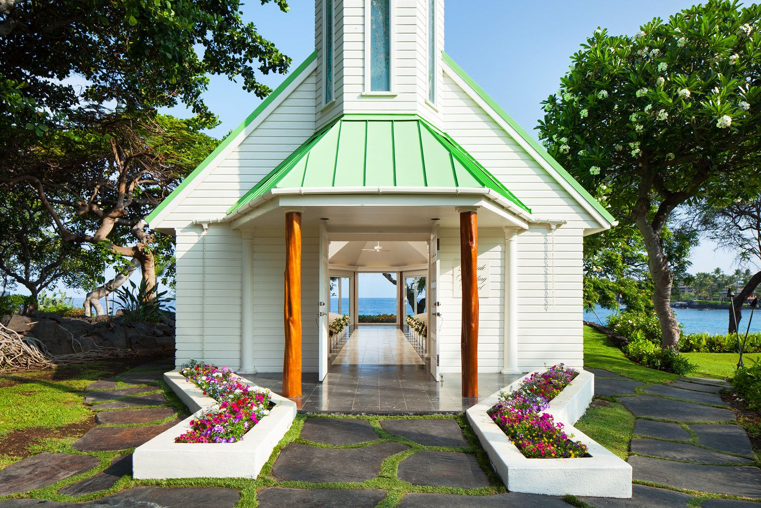Kona Oceanfront Wedding Resorts - Wedding Chapel