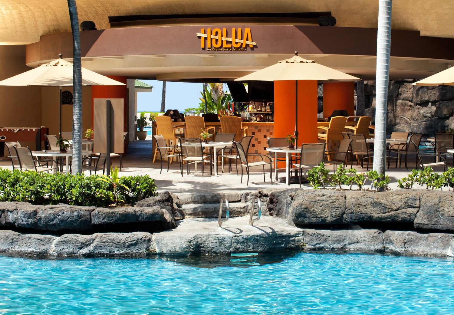 Kona Resorts - Holua Poolside Bar & Lounge