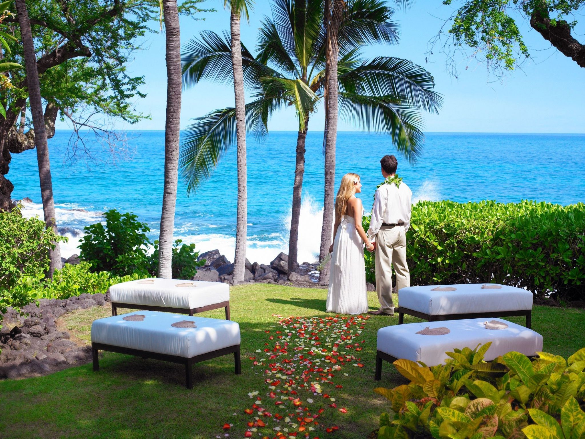 Kona Oceanfront Wedding Resorts - The Bayside Overlook