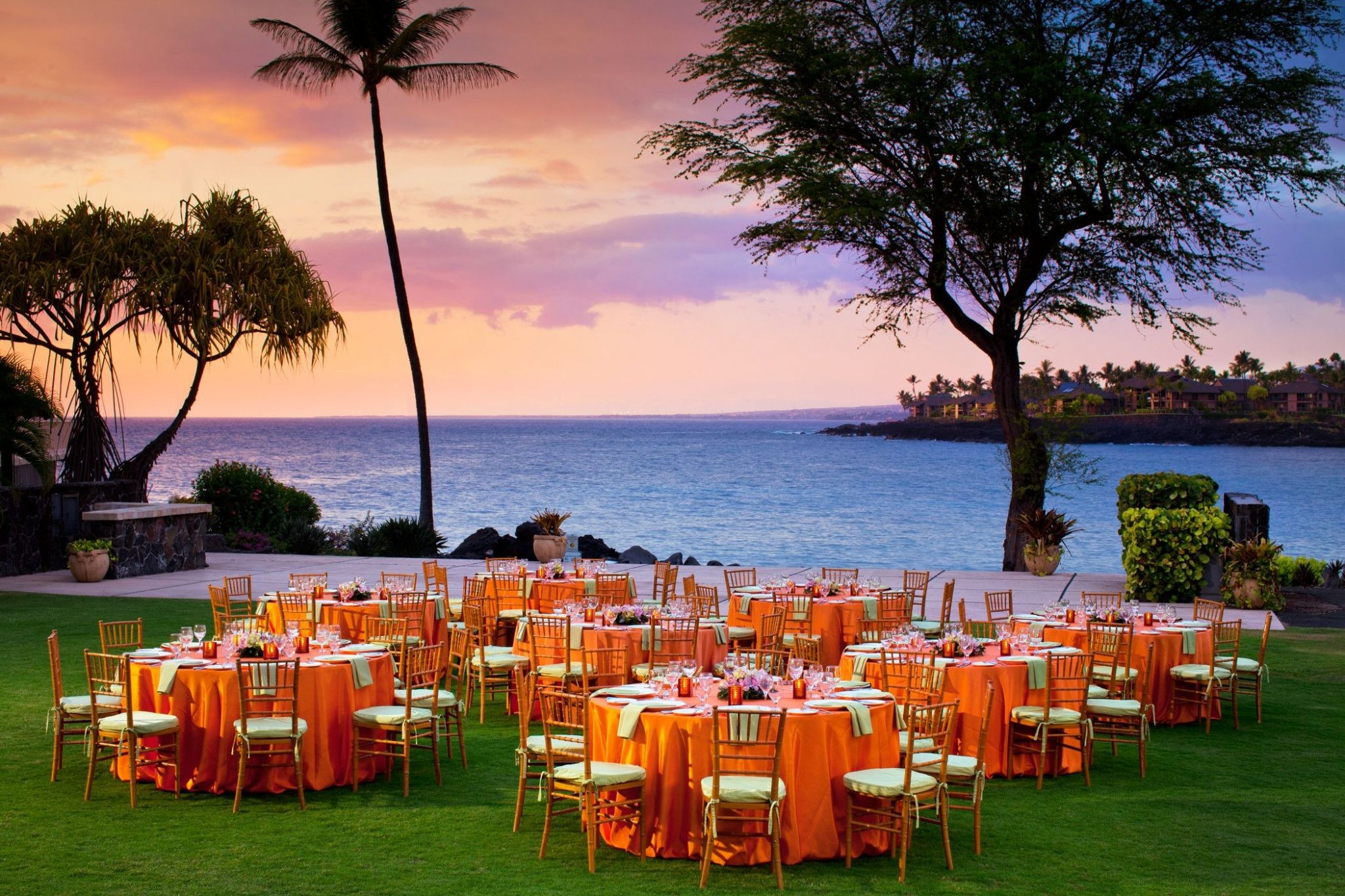 Kona Oceanfront Wedding Resorts - Bay View Grounds